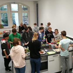 Essensduft statt Schulhausgeruch - Teambuilding in der Schulküche