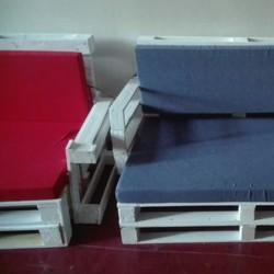 Von der Einwegpalette zum flotten Möbelstück – Wenn man 8.Klässler machen lässt...